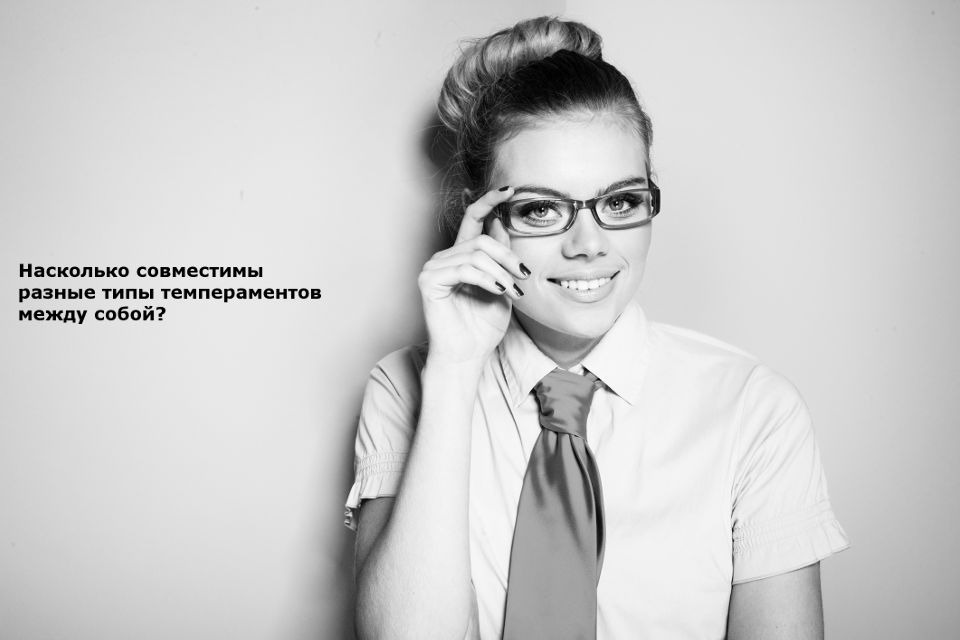 Smiley coed in glasses slowly uncovering her petite curves № 388931 загрузить