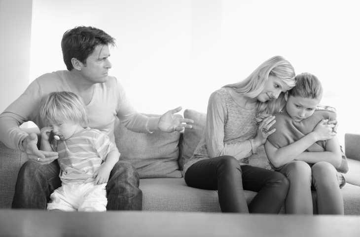 Бывший муж оскорбляет и унижает при ребенке thumbnail
