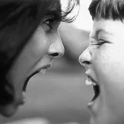 Как убедить ребенка осознать его неправоту?