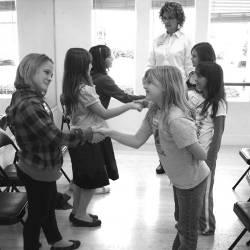 Учим детей тактичности