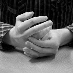 Жест, означающий нетерпеливость собеседника