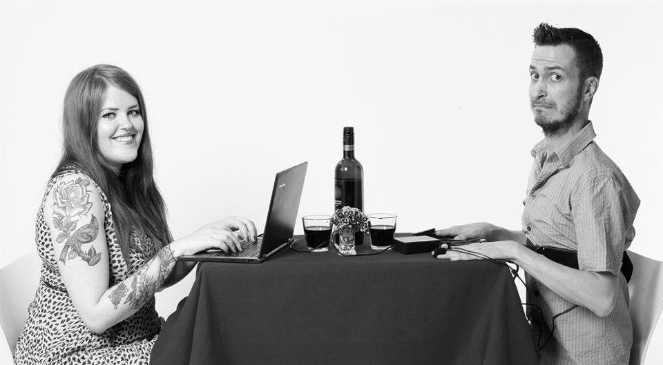 Эксперимент по проверке на детекторе лжи парней при онлайн-знакомстве