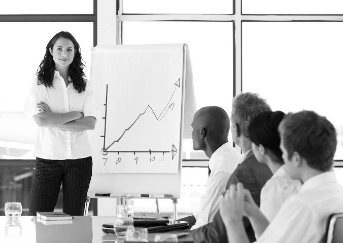 Как перестать нервничать при общении с коллегами на совещании?