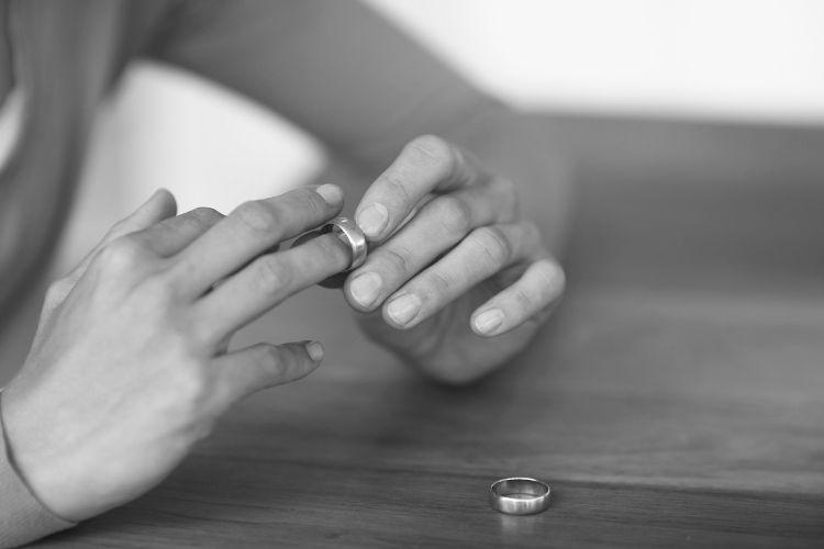 Как легче пережить развод с мужем