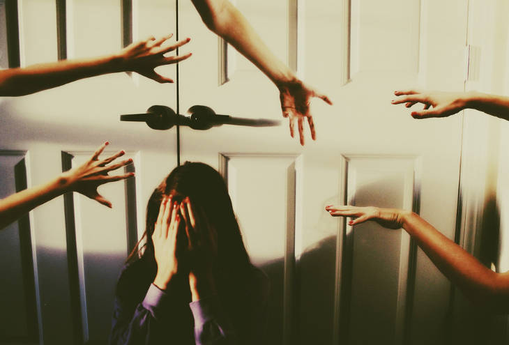 Боязнь прикосновений чужих людей фобия