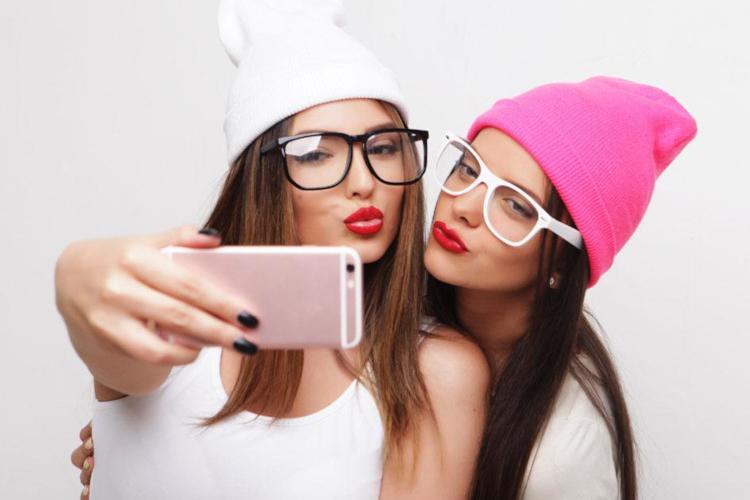 Две совершенно разные девчонки стали лучшими подругами
